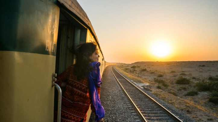 http---cdn.cnn.com-cnnnext-dam-assets-180406120551-pakistan-on-a-train-through-sindh-to-karachi